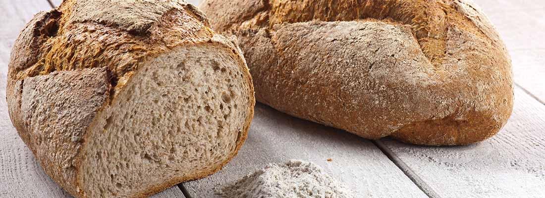 foto van bruinbrood
